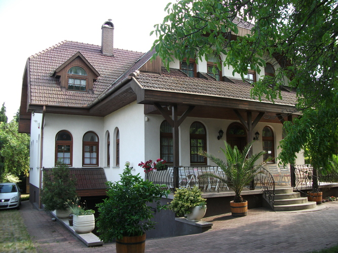 Good house on the coast of Balaton